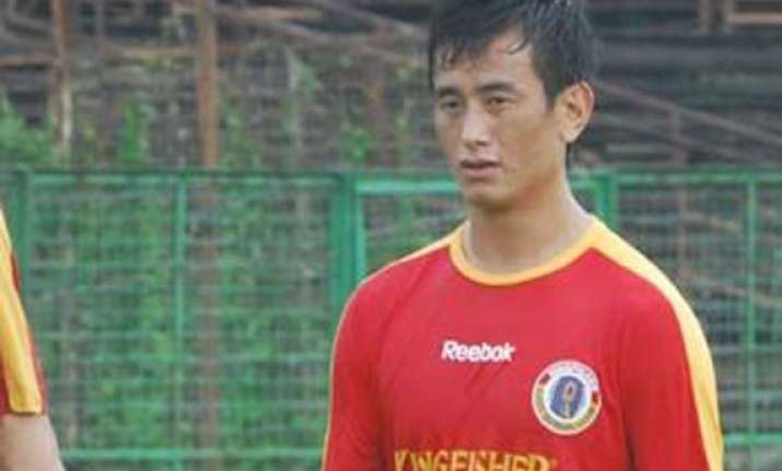 bhaichung bhutia to play for eb one last time in i league