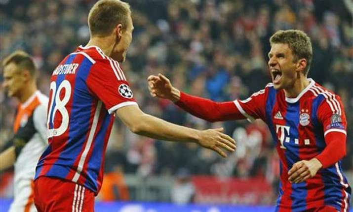 bayern routs bremen 4 0 opens 14 point lead in bundesliga