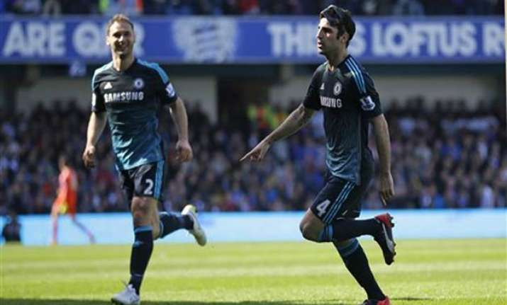 fabregas strikes late as chelsea beats qpr 1 0