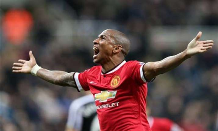 man united leaves it late to beat newcastle 1 0 in epl