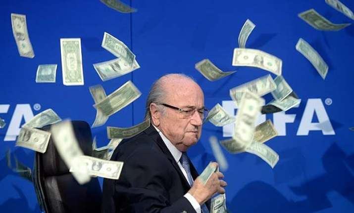 sepp blatter news conference at fifa delayed by british