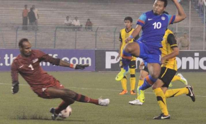 india beat malaysia 3 2 chhetri scores a brace