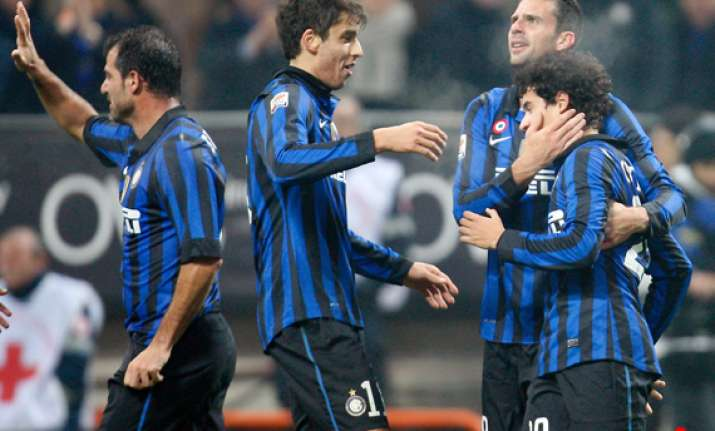 inter looks to reach last 16 of champions league