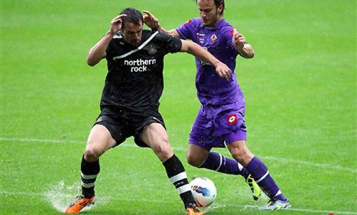 liverpool signs jose enrique from rival newcastle