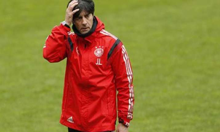 loew makes last minute change in world cup squad