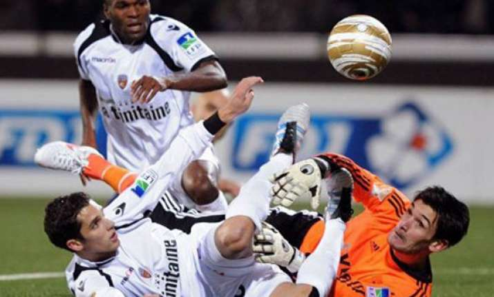lyon beats lorient 4 2 to reach league cup final