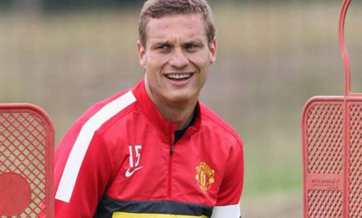man united captain vidic to leave at end of season