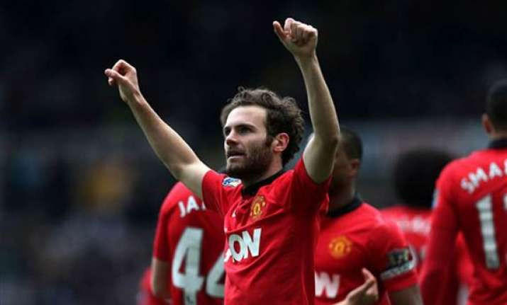 man united routs newcastle 4 0 in premier league