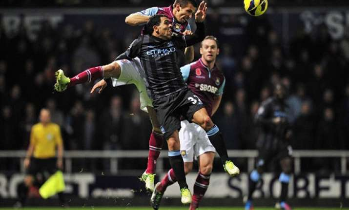 man city held to 0 0 draw by west ham in league