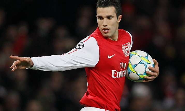 manchester city is interested in signing van persie