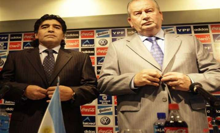 maradona repeats doping charges against federation chief