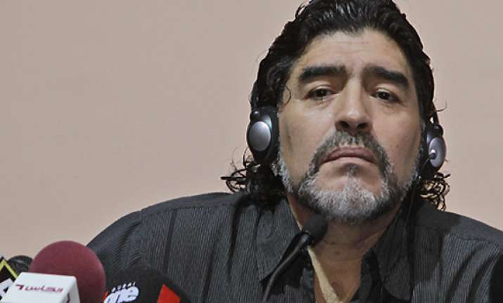 maradona sustains minor injuries in car accident