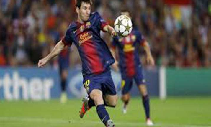 messi earns barcelona a draw at ac milan