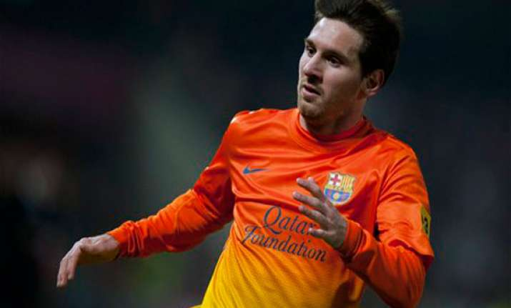 messi scores his 300th goal for barcelona