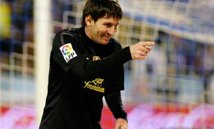 messi scores 2 barcelona wins 4 1 win at zaragoza