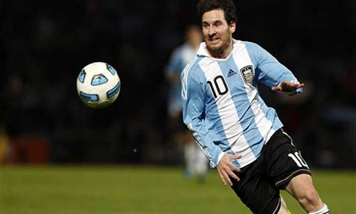 messi to continue playing for argentina