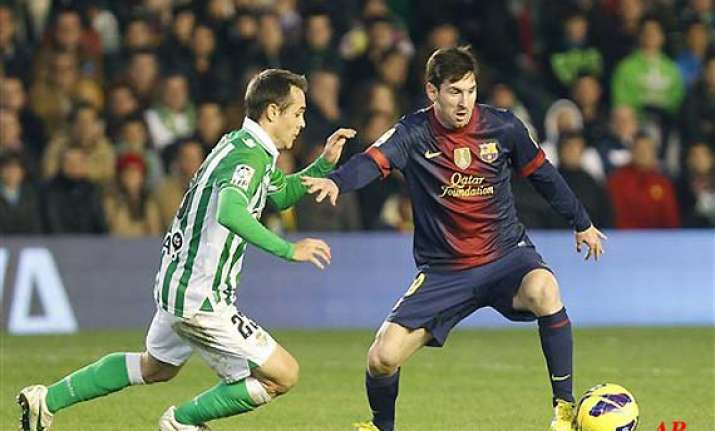 messi breaks 40 year record with 86th goal of 2012