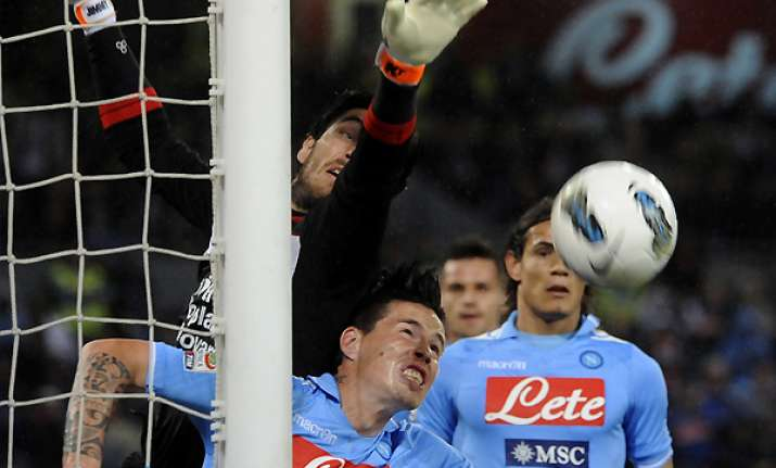 napoli approaches champions league places again