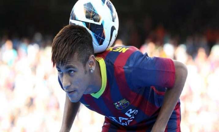 neymar returns to practice with barcelona