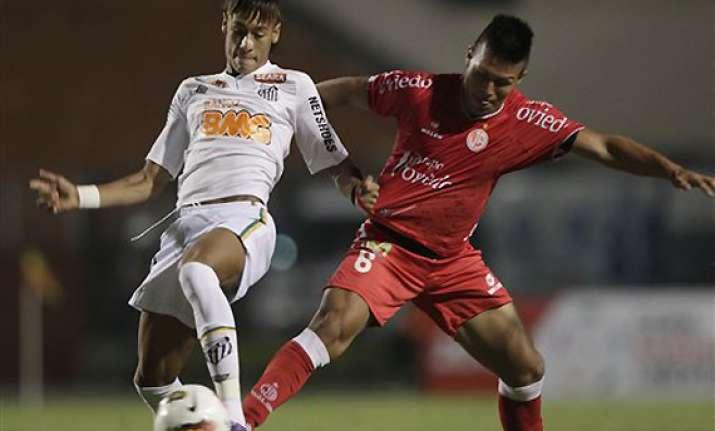 neymar scores as santos beats juan aurich 2 0