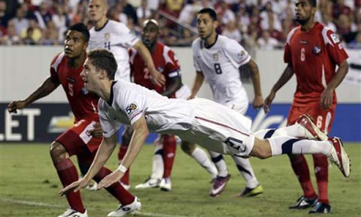 panama stuns us 2 1 in gold cup