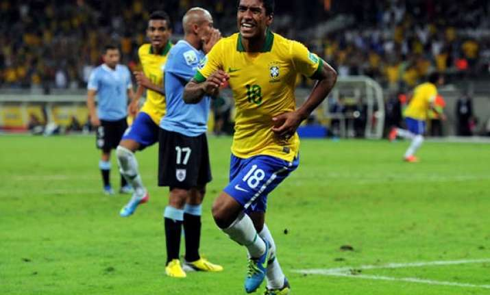 paulinho sends brazil to confederations cup final