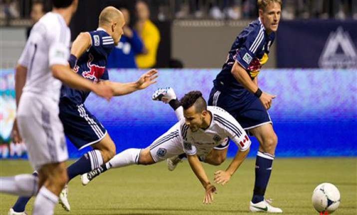 pearce goal ties red bulls for whitecaps 1 1