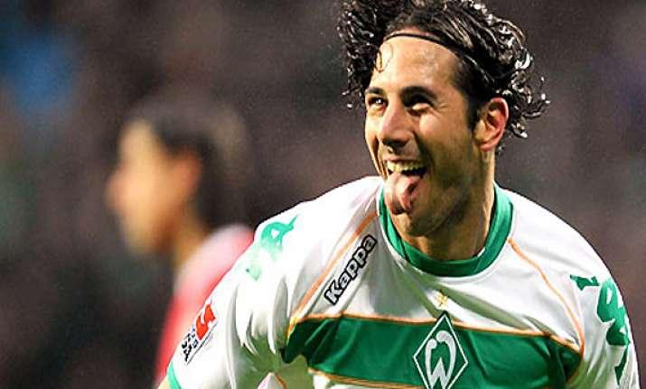peru striker pizarro confirms bremen departure