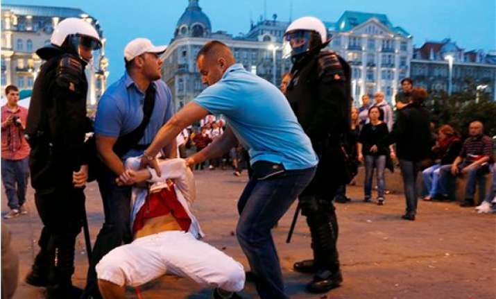 polish courts convict 14 in soccer violence