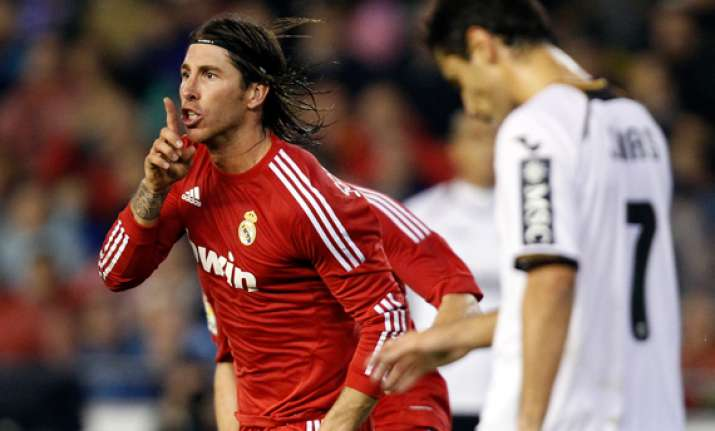 real madrid plays dinamo looking to top group d