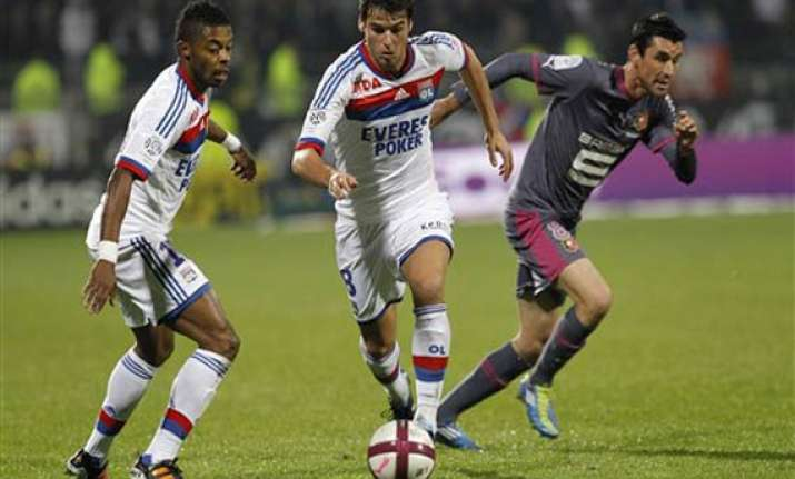 rennes beats lyon 2 1 in french league