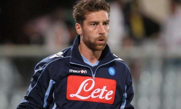 roma signs goalkeeper de sanctis from napoli