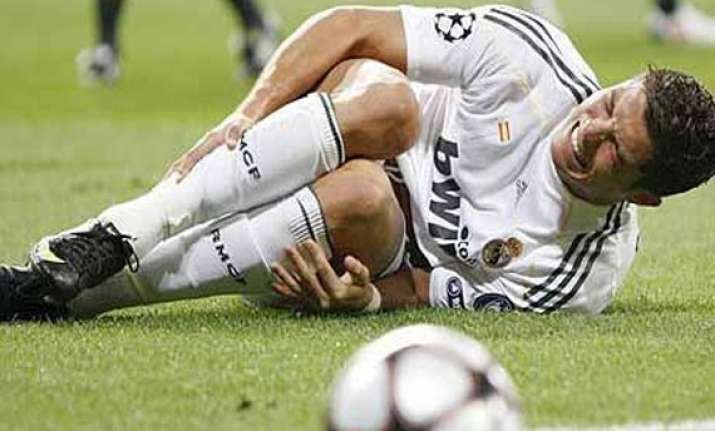 ronaldo s knee cause of worry for real madrid portugal