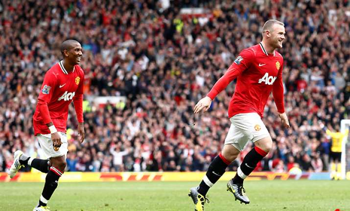 rooney hattrick man united rout arsenal 8 2