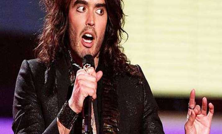 russell brand turns soccer expert for charity