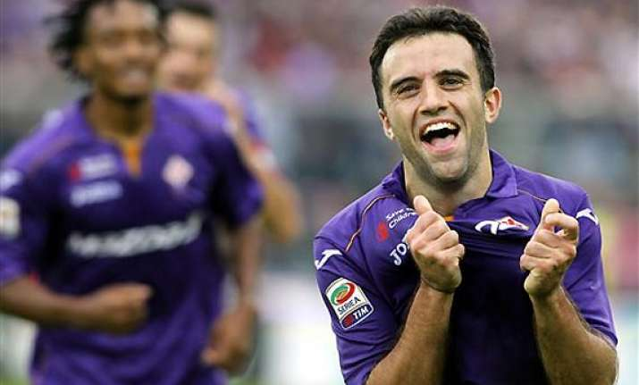 serie a fiorentina stuns juventus 4 2 with rossi hat trick