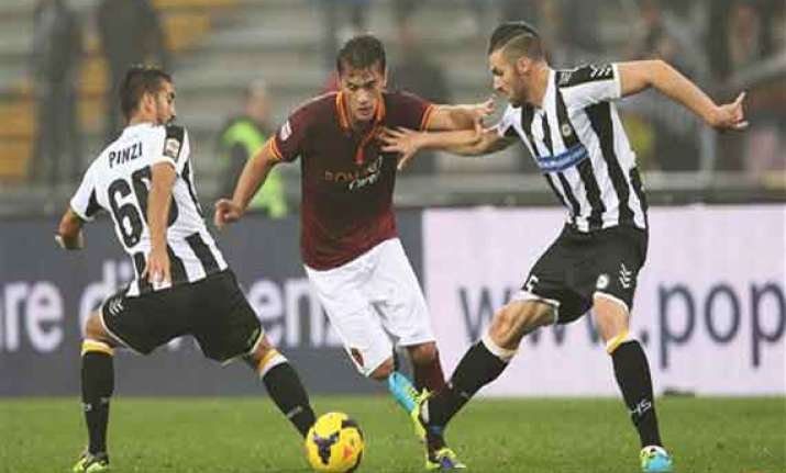 serie a 10 man roma beats udinese 1 0 to set record