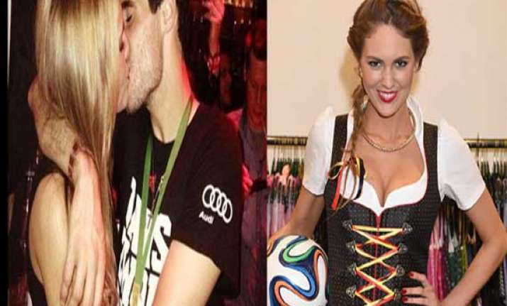 spain star javi martinez s ex girlfriend to cheer on
