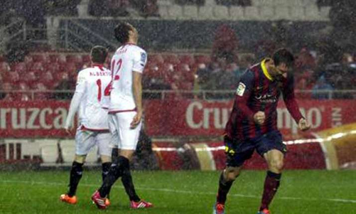 spanish league messi nets 2 barca fights back 4 1 at sevilla