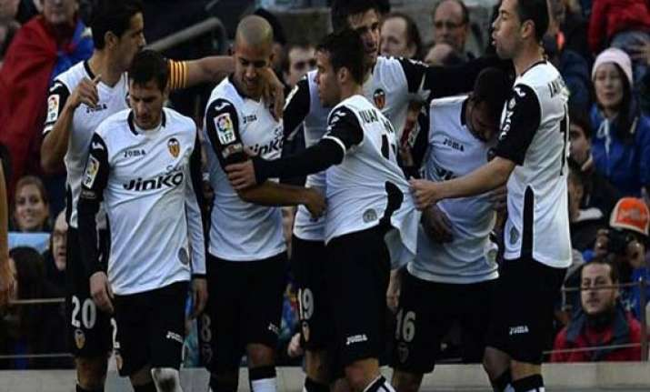 spanish league valencia stun barcelona 3 2 win in camp nou
