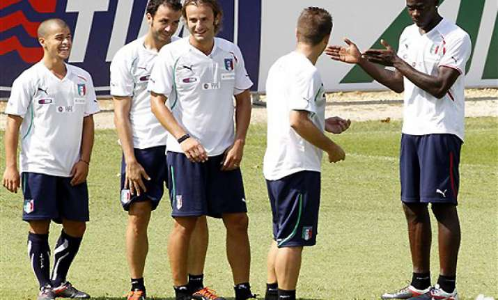 strike affects italy s preparations for qualifiers