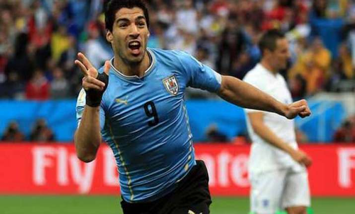 suarez s initial absence no tragedy for barcelona