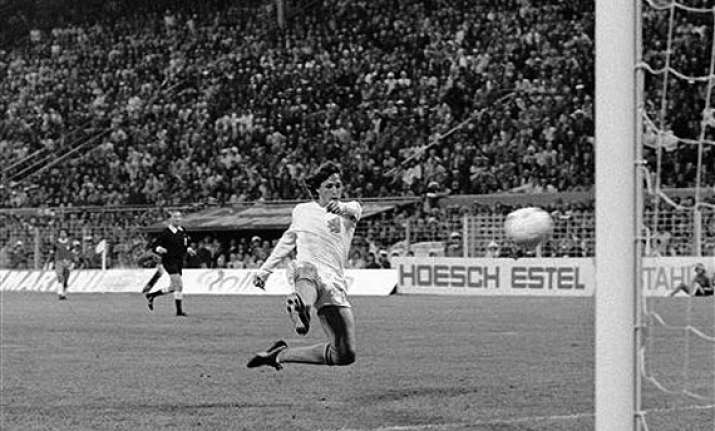 this day that year netherlands reach 1974 world cup final