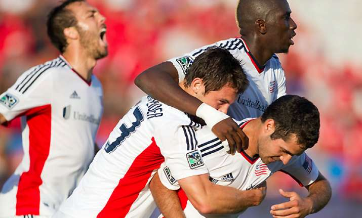 tierney lifts revolution to draw with toronto fc