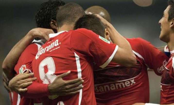 tijuana beats toluca 2 1 in final first leg