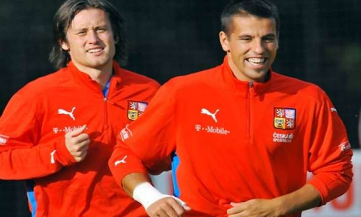 tomas rosicky milan baros back in czech team