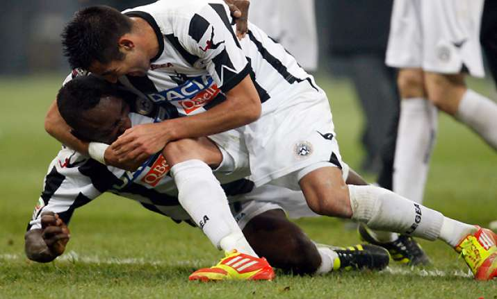 udinese beats 10 man inter milan 1 0 in serie a
