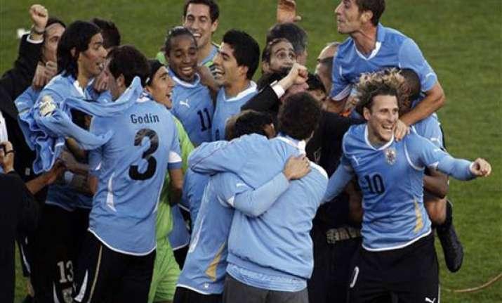 uruguay beat paraguay to win record 15th copa america
