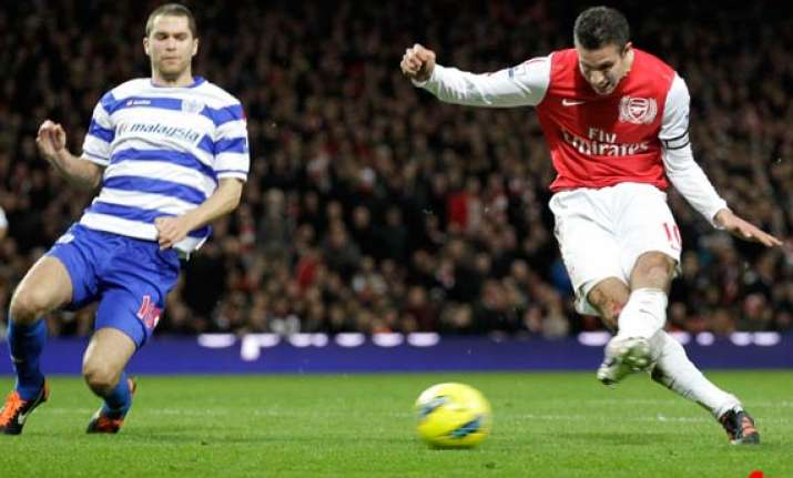van persie sends arsenal back to 4th with qpr win