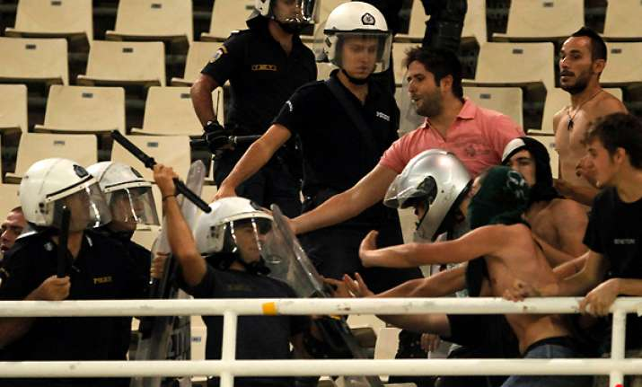 violence halts panathinaikos maccabi twice